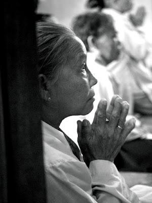 Preghiera nel tempio di Bertois