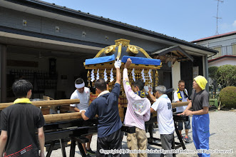 Photo: 【平成26年(2014) 宵々宮】 日曜日の本宮に向けて、飾りつけを進める。