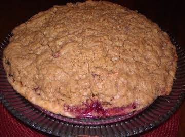 Apple Berry Pie with Oatmeal Streusel Topping