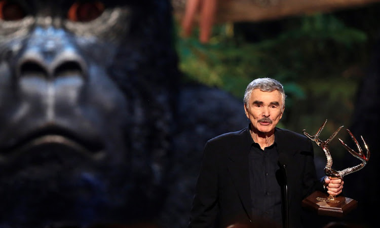 "Burt Reynolds accepts the Alpha Male award at the seventh annual Spike TV's ""Guys Choice"" awards in Culver City, California June 8, 2013."
