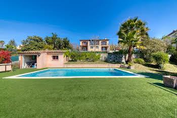 Villa 8 pièces 192 m2