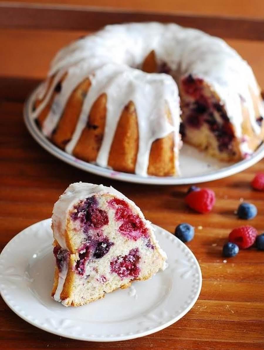 Lemon Bundt Cake With Raspberry Sauce