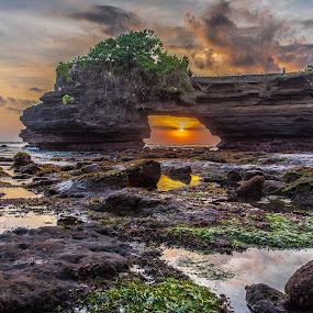 Tanah Lot by Lim Keng - Landscapes Sunsets & Sunrises