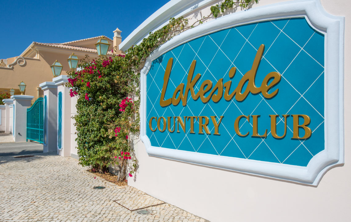 Descubra o Lakeside Country Club