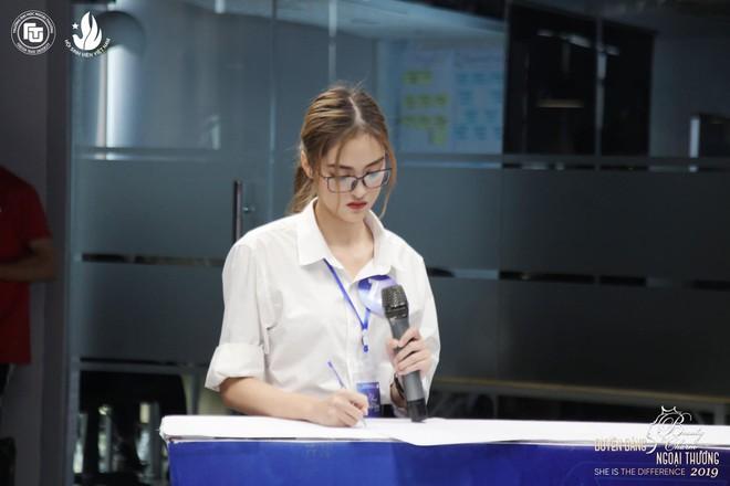 Thí sinh 'Hoa hậu Việt Nam': Là hoa khôi Ngoại thương, thi đại học 29 điểm - ảnh 2