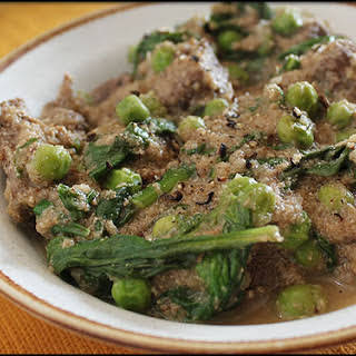 Sauteed Beef with Spinach Curry Sauce.