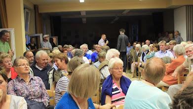 Photo: Großes Interesse der eingeladenen Einwohner bei der Informationsveranstaltung im Großenseer Dörphus zum Verkaufvorhaben der Stadt Hamburg für den Großensee