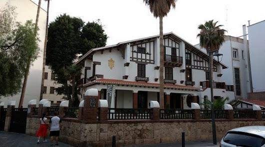 La lluvia y un árbol en mal estado obligan al cierre del Museo Doña Pakyta