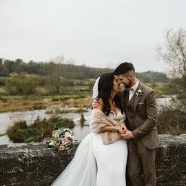 Just married by Paul Duane - Wedding Bride & Groom