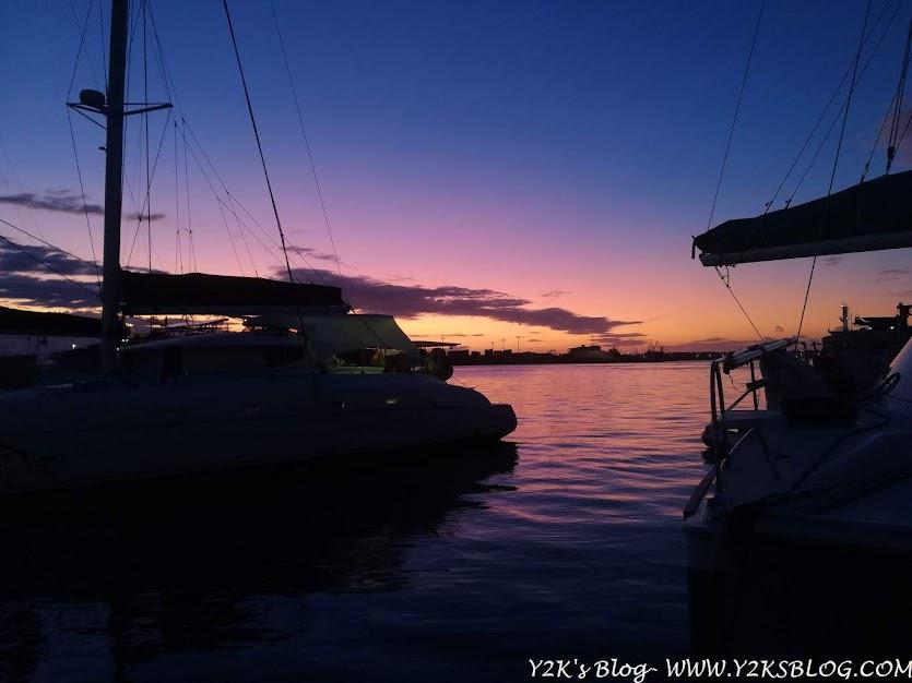 Uno dei tandi spettacolari tramonti regalati da Tahiti