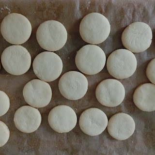 Mini Alfajores de Maizena (Cornstarch cookies)