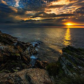 Bloody Bridge Sunrise. by Leslie Hanthorne - Landscapes Sunsets & Sunrises