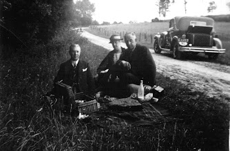 Photo: Picknick beside the road  at the right my grandfather Herman Groeneweg on a trip Bamberg-Münster 1935