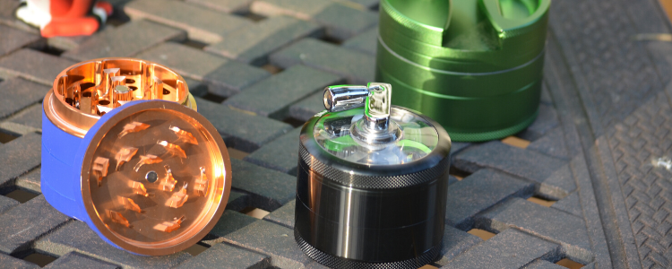 What is a Hand Crank Herb Grinder?