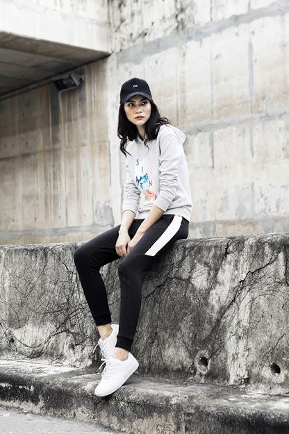 Phối Giày thể thao nữ + áo hoddie 2