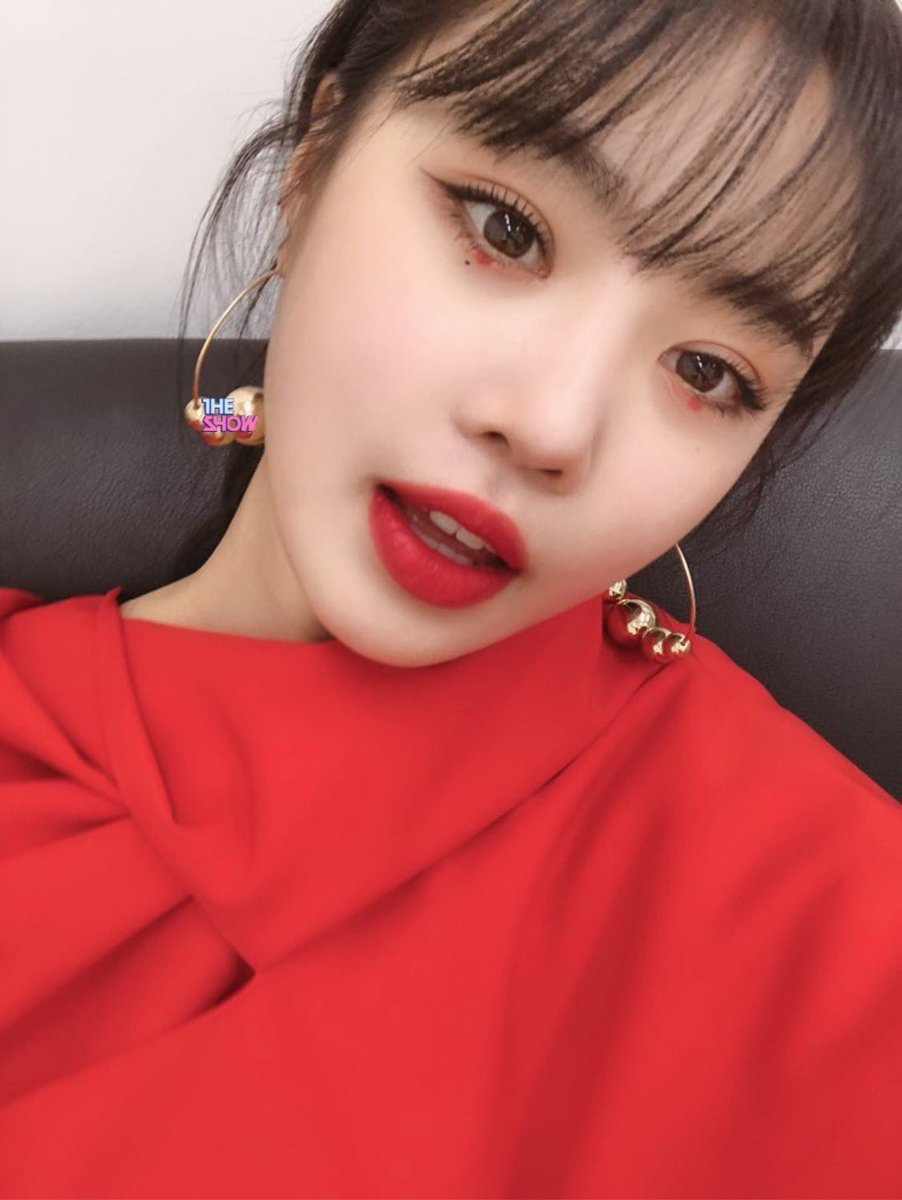 soojin red makeup