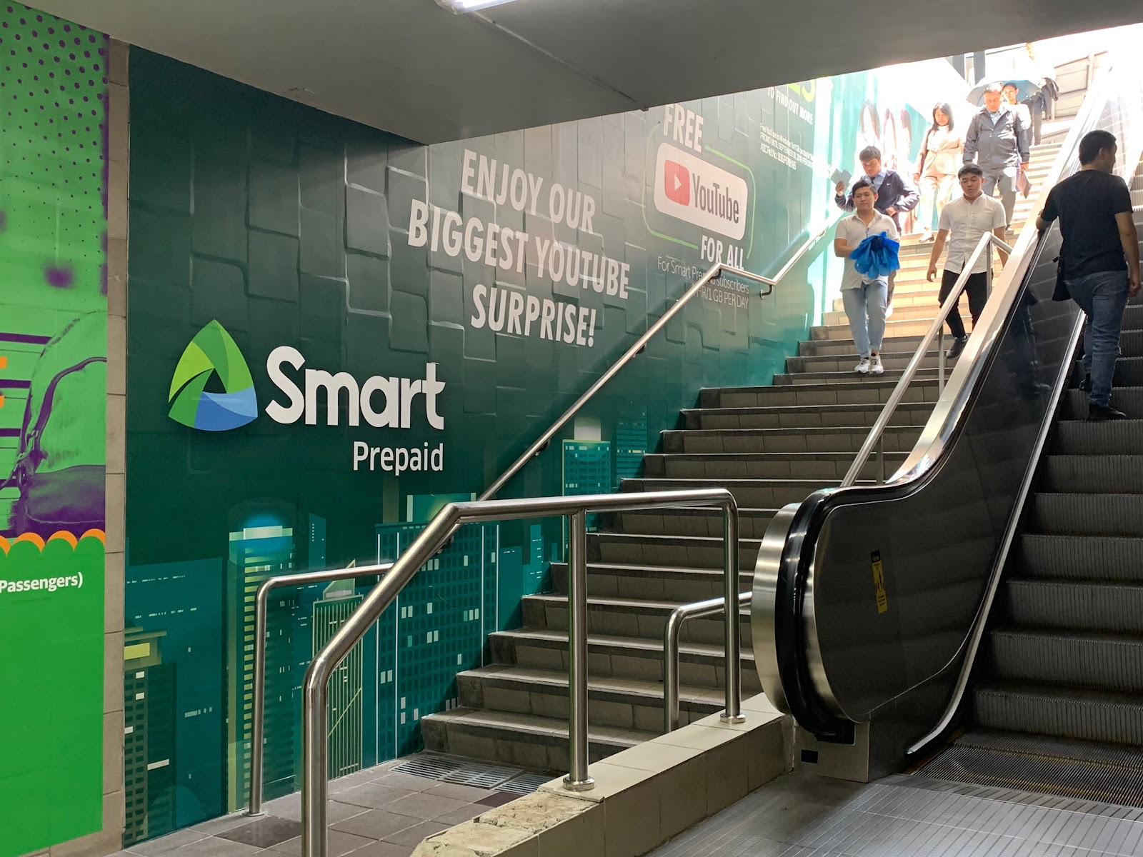 Smart communications ooh ad paseo underpass 2019 rsci
