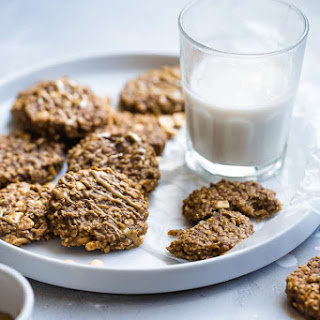Easy Peanut Butter Oatmeal Banana Cookies.