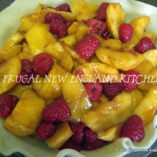 Fresh Peach Raspberry Pie