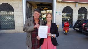 Concejales de Somos Mojácar con la denuncia contra la alcaldesa.