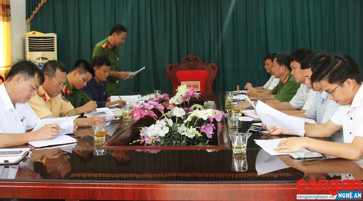 Đoàn liên ngành làm việc với UBND huyện Thanh Chương