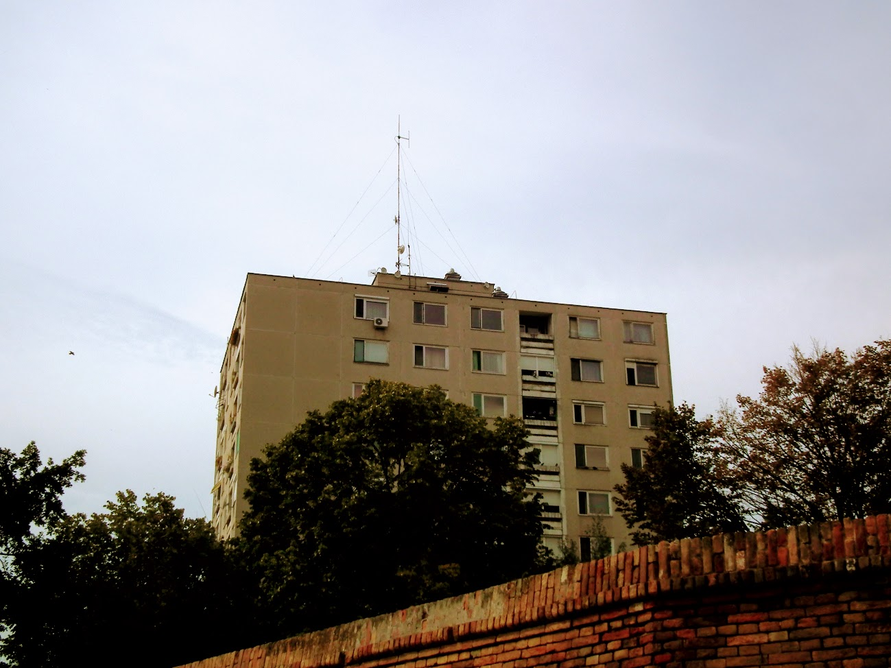 Hódmezővásárhely/toronyház - helyi URH-FM adóállomás