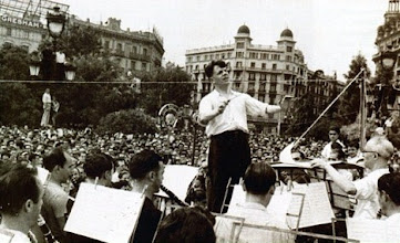 Photo: Eduard Toldrà at the Plaça Catalunya, August 1936 © Family Archive (Mdm. Narcisa Toldrà)