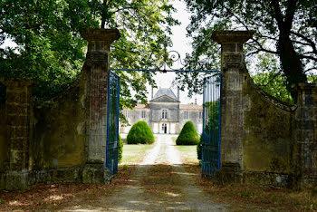 propriété à Saint-Jean-d'Angély (17)