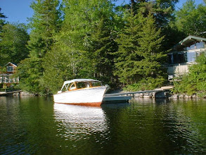 Photo: 1964 16 ft Oldtown runabout. Beautiful wood 16ft runabout with twin Johnson Super Sea Horse outboard motors. Very nice paint and varnish with nice original top and seat cushions. Nice Holsclaw vintage trailer. Last of the Oldtown wooden runabout. $9500