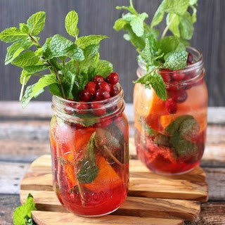 Cranberry Tangerine Mojito – Plus a HUGE (huge!) Amazon Giveaway for Christmas Week!