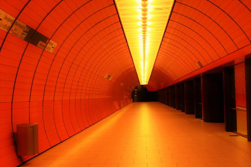 Mezzanotte in  metro' di giulia_giustarini