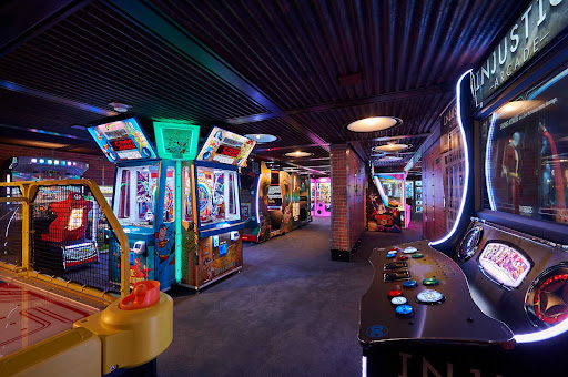 CCL_Horizon_Warehouse_5032.jpg -      You'll find games galore in the Warehouse of Carnival Horizon.