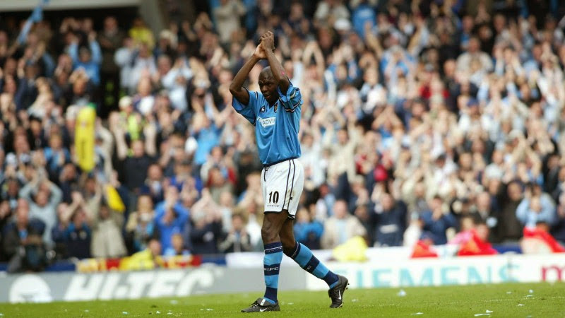 Photo: City's Shaun Goater applauds the fans as he leavs the field after being substituted for Robbie Fowler in his last game for the club and the last ever game at Maine Road football ground.    City's Shaun Goater applauds the fans as he leavs the field after being substituted for Robbie Fowler in his last game for the club.