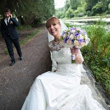 Wedding photographer Viktor Fedotov (vicf). Photo of 15.03.2014