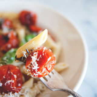 PENNE WITH BLISTERED CHERRY TOMATOES AND A LEMONY WINE SAUCE // SPONSORED BY BAREFOOT WINE