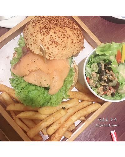 桃園寵物友善餐廳 DeMo House 戴莫好食屋 ~ 吃好吃滿的療癒午後~