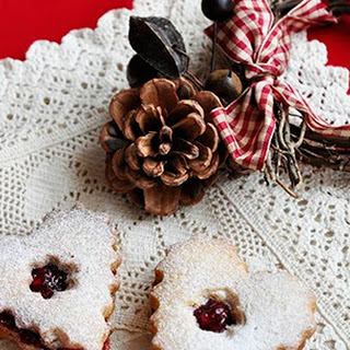 Linzer Cookies - one of the Christmas Classics