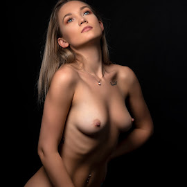 Miss NB by Peter Driessel - Nudes & Boudoir Artistic Nude