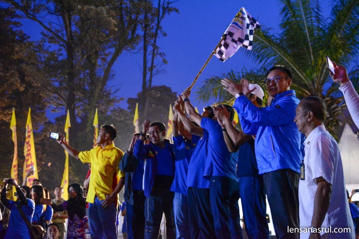 Pembukaan Tour De Ambarrukmo oleh Gubernur Daerah Istimewa Yogyakarta, Sri Sultan Hamengkubuono X