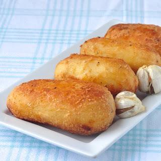 How to Make Perfect Roasted Potatoes (English Style Roast Potatoes).
