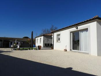 villa à Saint-Hilaire-de-Brethmas (30)