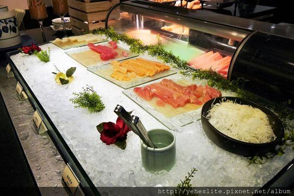 君鴻國際酒店百匯栢麗廳-絕美海景伴美食,異國料理共歡樂