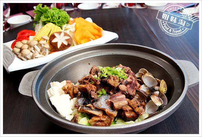 河邊海鮮餐廳-鮪魚首味噌火鍋
