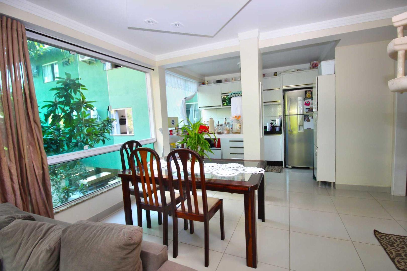 Prédio comercial/residencial à venda  no Centro - Bombinhas, SC. Imóveis