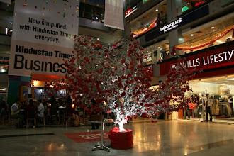 Photo: Ostoskeskus Delhissa, joulukoristeet täälläkin vaikka kristittyjä on todella vähän