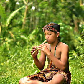 sound of nature by Ananta White Wings - People Street & Candids