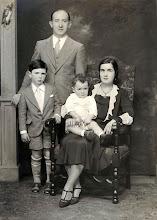 Photo: Arnold, Herman, Charles, and Minnie Markheim Weber
