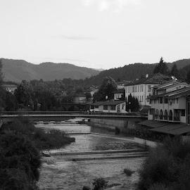 Пейзаж by Georgi Kolev - Black & White Landscapes ( небе., планина., хълмове., река., сгради., дървета. )