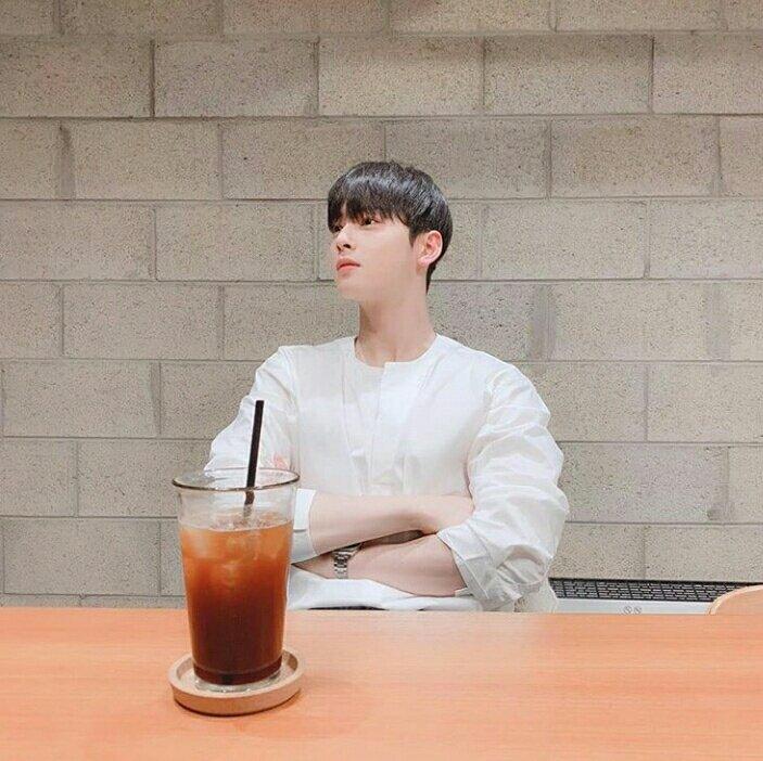 eunwoo boyfriend 2