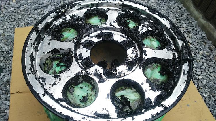 ハイエース TRH112Vのハイエース100系,タイサン,ホイール,塗装剥離,スケルトンに関するカスタム&メンテナンスの投稿画像4枚目